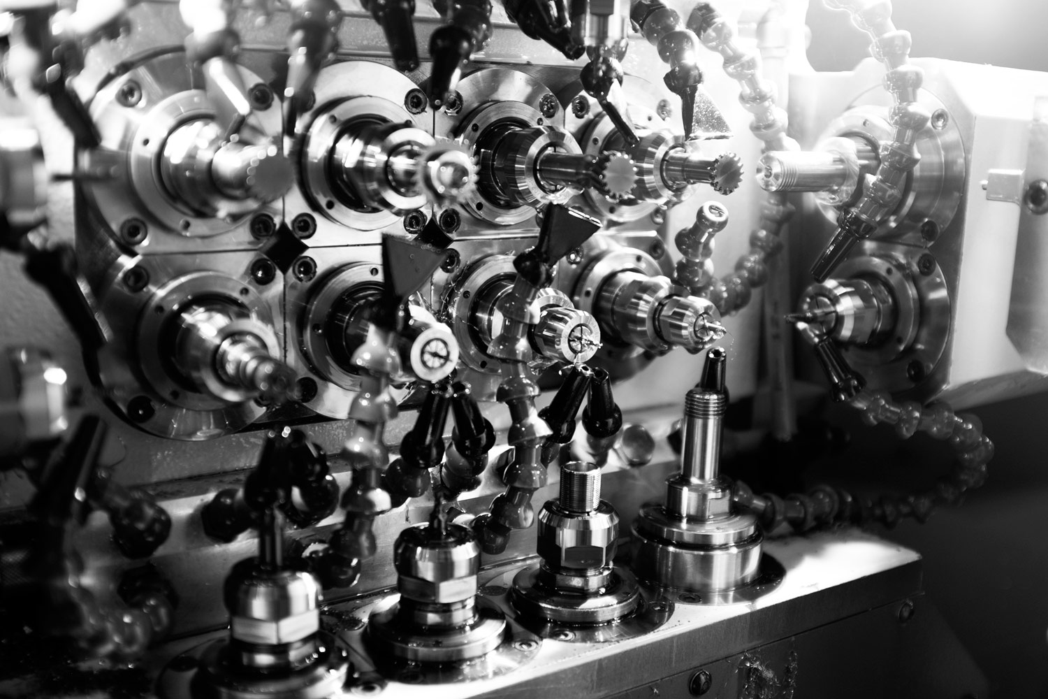 Machines for Swiss watchmaking small metal parts